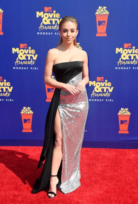 mtv-movie-tv-awards-2019-red-carpet-sydney-sweeney.jpg