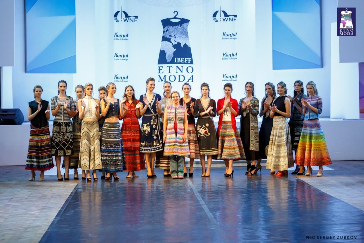 Дарья Разумихина, которая представила коллекцию, посвящённую 20-летию бренда.jpg