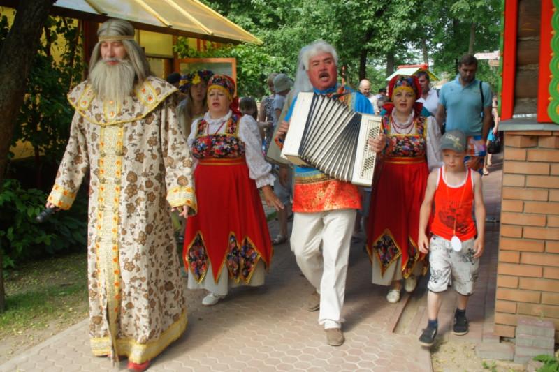 2015  фестиваль В гости к Берендею, Сказочный-Переславль-Залесский.jpg