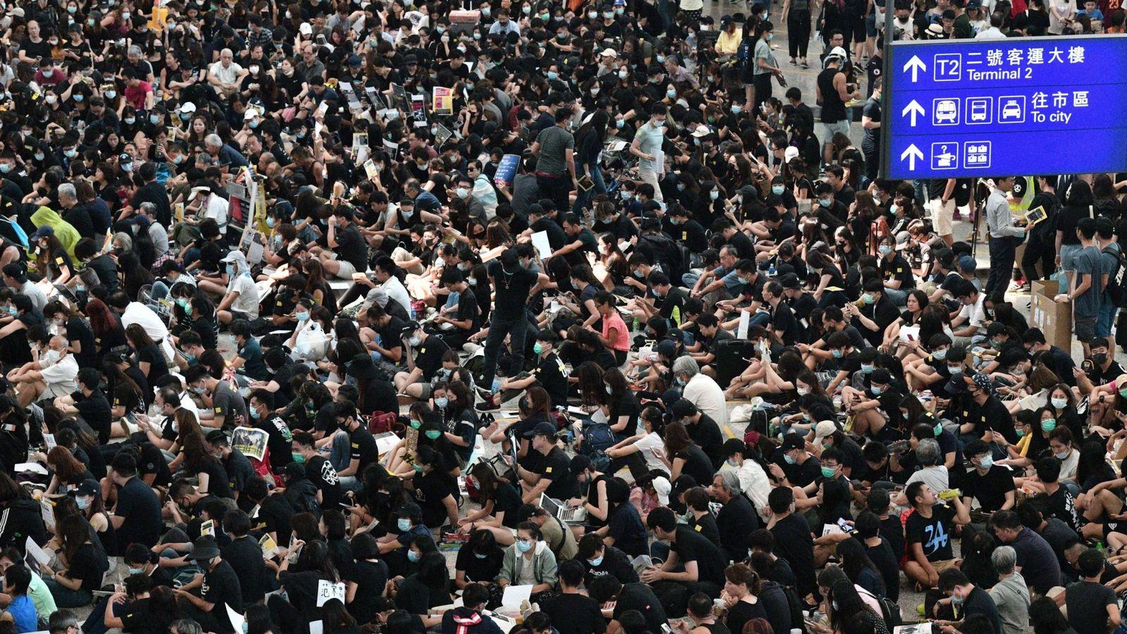 skynews-hong-kong-hong-kong-airport_4740224.jpg