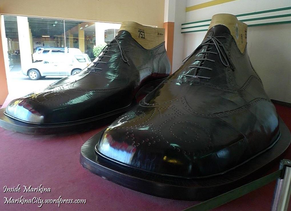 2  largest-biggest-shoes-1.jpg