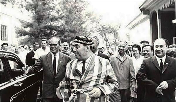Брежнев побывал в Ташкенте, 1982.jpg