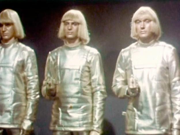 1    Кадр из фильма «Война роботов», 1978. f.jpg