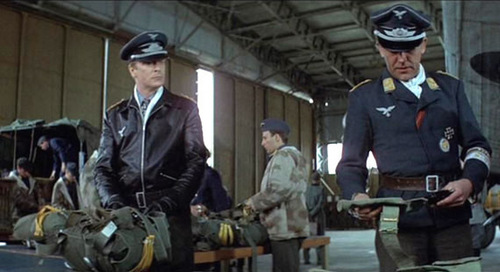 3 The-Eagle-Has-Landed-Screencaps-michael-caine-5557511-500-272.jpg
