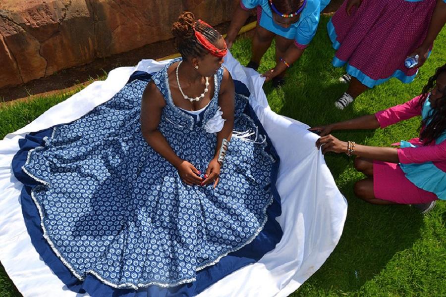 _900 x 600 Dress.jpg
