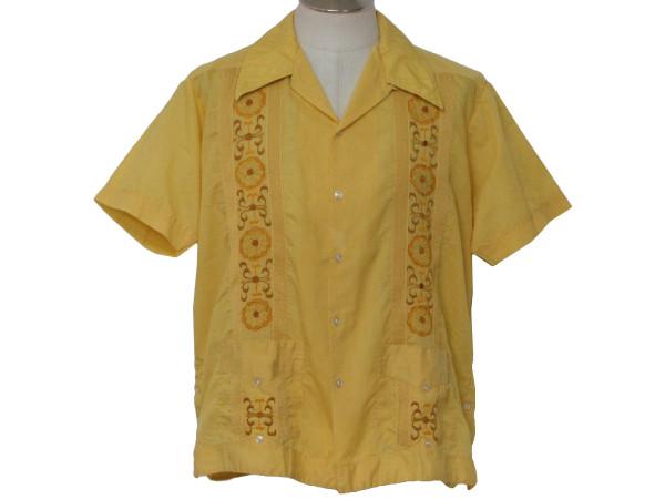 2002 Гуаябера-традиционная-мужская-рубашка-в-странах-Карибского-бассейна.jpg
