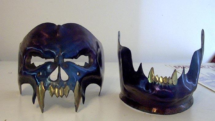 5 Modern Created by Darkheart Armoury  skull-helm-3.jpg