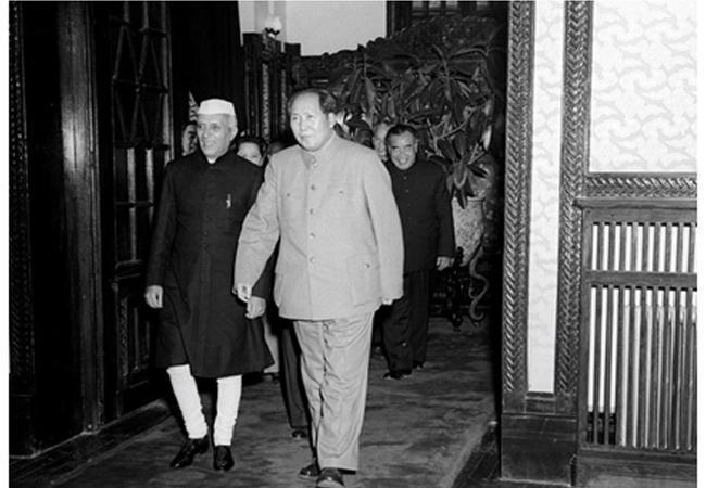 _4 Мао Цзэдун с премьер министром Индии Джавахарлалом Неру .jpg