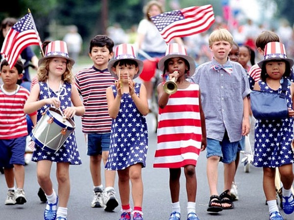 2 4th-of-July-Children-at-a-Parade.jpg