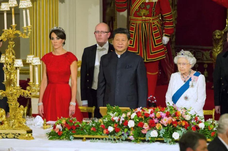 _7 Buckingham Palace  2015 .JPG
