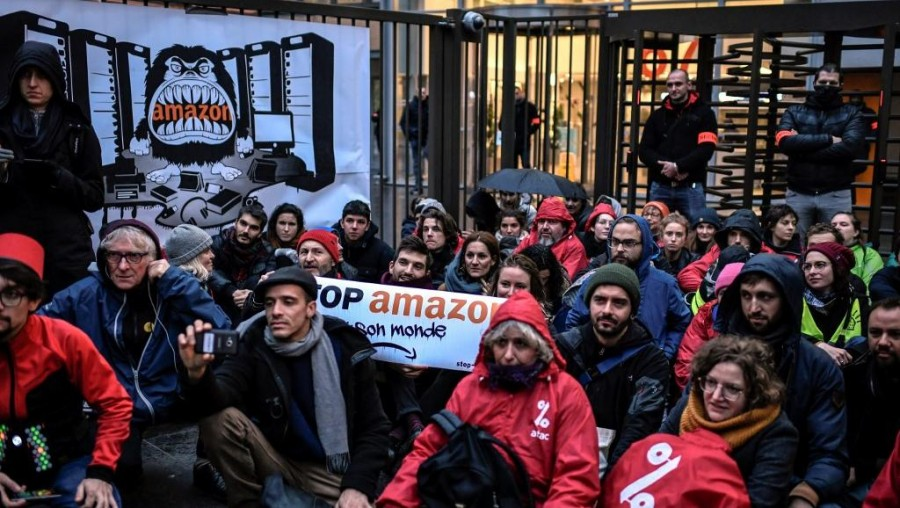black_friday_protest_at_amazon_hq.jpg