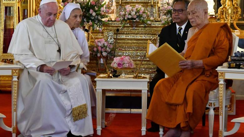 21 november Pope Francis sits with Thailand's Supreme Buddhist Patriarch (right) at Wat Ratchabophit Monastery in Bangkok on Thursday both barefoot.p…