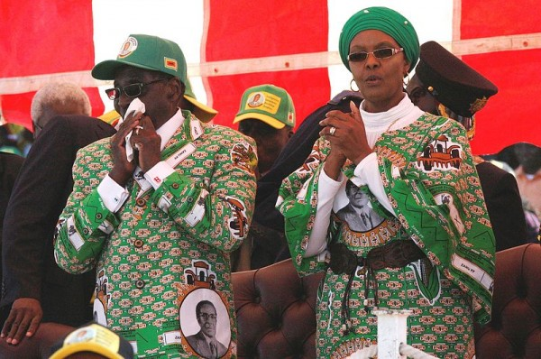 3   Grace_Mugabe_with_Robert_Mugabe_2013-08-04_11-53.jpeg.jpeg