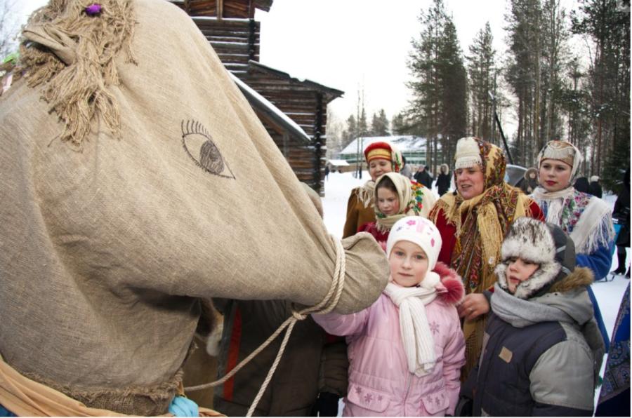 _ 2 Святки. Музей Малые Корелы в Архангельской области.PNG