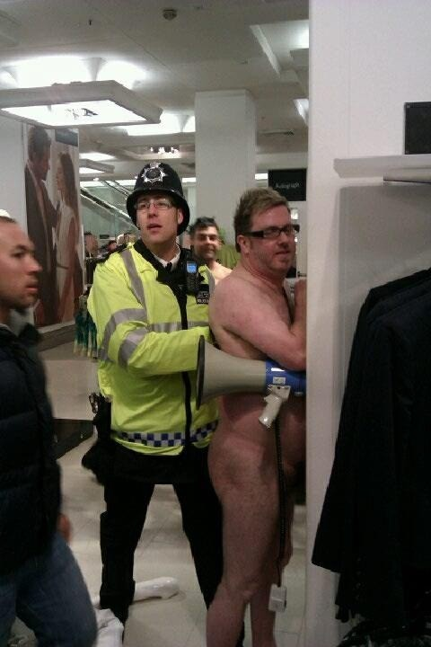 9  matt-oconnor-arrested-at-marks-spencer-in-oxford-street.jpg