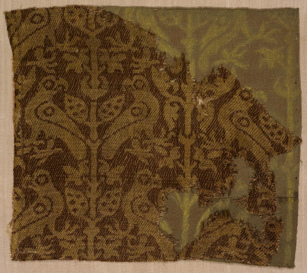 1200 Sicilian, Sicily Textile fragment, early 1200s Silk  RISD museum.jpg
