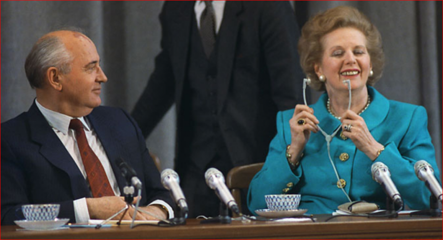 1990  Mikhail Gorbachev and Prime Minister of Great Britain Margaret Thatcher hold the press-conference for Soviet and foreign jou.PNG