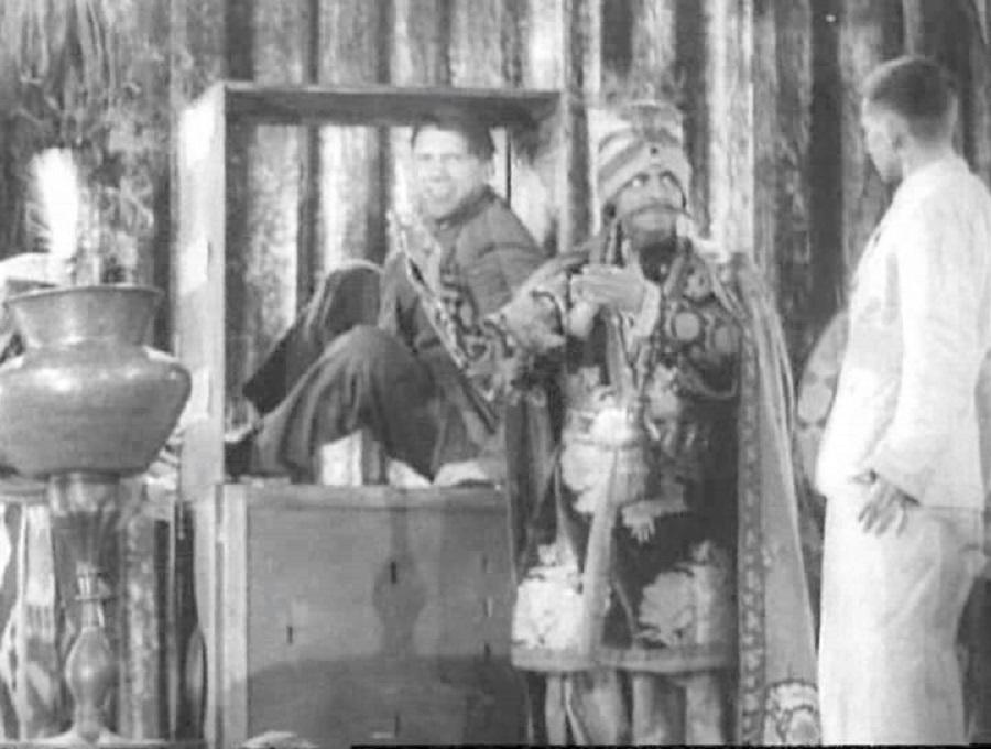 Счастливый рейс (1949) Geller.jpg