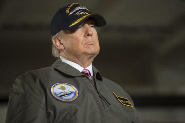 Ах, какой был мужчина, ну настоящий полковник… GettyImages-647208620-e1488484209104.jpg