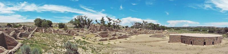 Aztec_Ruins_panorama_by_RO.JPG