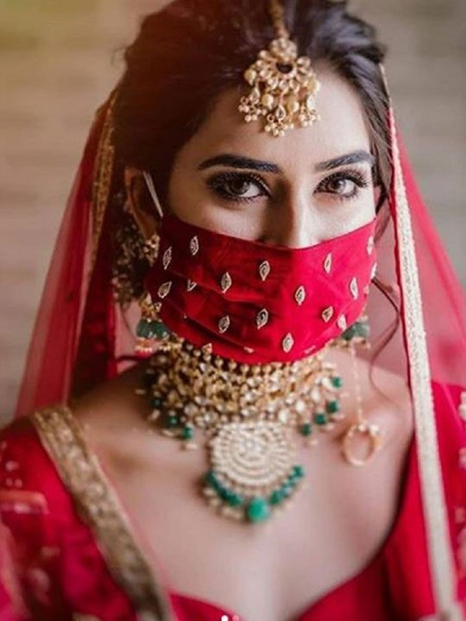 6 0  These luxurious masks have been popular in India among wedding guests.JPG