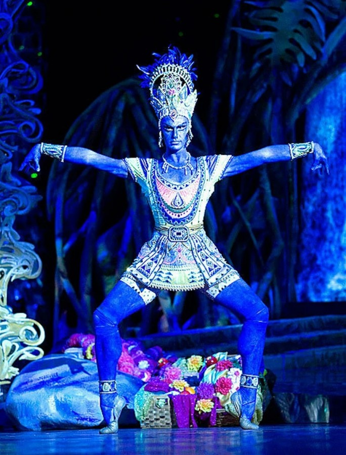 2 В костюме по рисунку Льва Бакста для балета «Синий бог».jpg