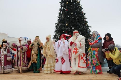 7 kuzovatovskiy-rayon-peredaet-privet-ot-udmurskogo-deda-moroza-3.jpg