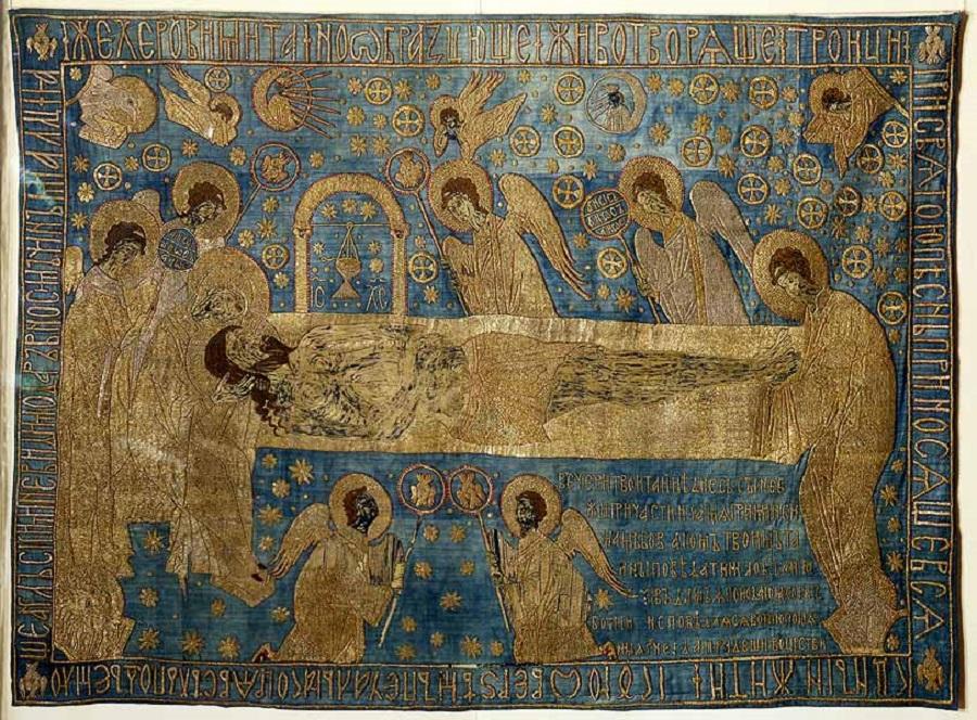 Плащаница. Положение во гроб. Начало XV в. Холст (древний фон - синяя камка - утрачен), шелковые, золотые и серебряные нити; шитье.jpg