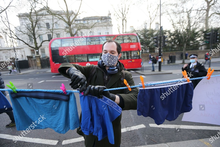 free-navalny-protest-london-uk-shutterstock-editorial-11722979u.jpg