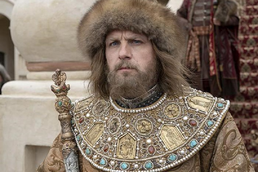 _ 900 x 600 Федор Лавров в роли царя Федора Ивановича.jpg
