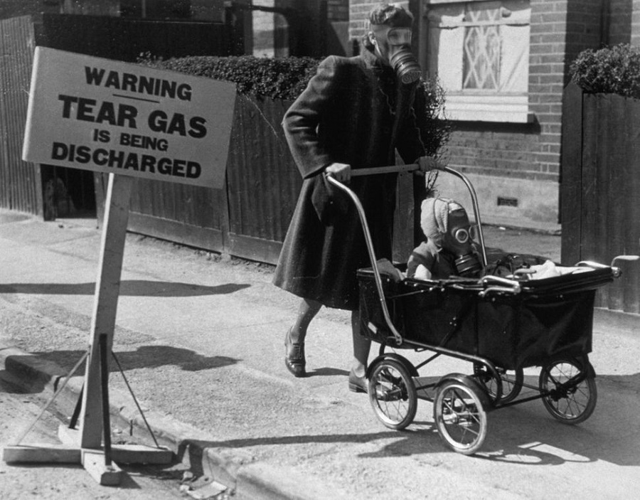 9 gas exercise for civilians, using tear gas, was held in Kingston-On-Thames in 1941..jpg