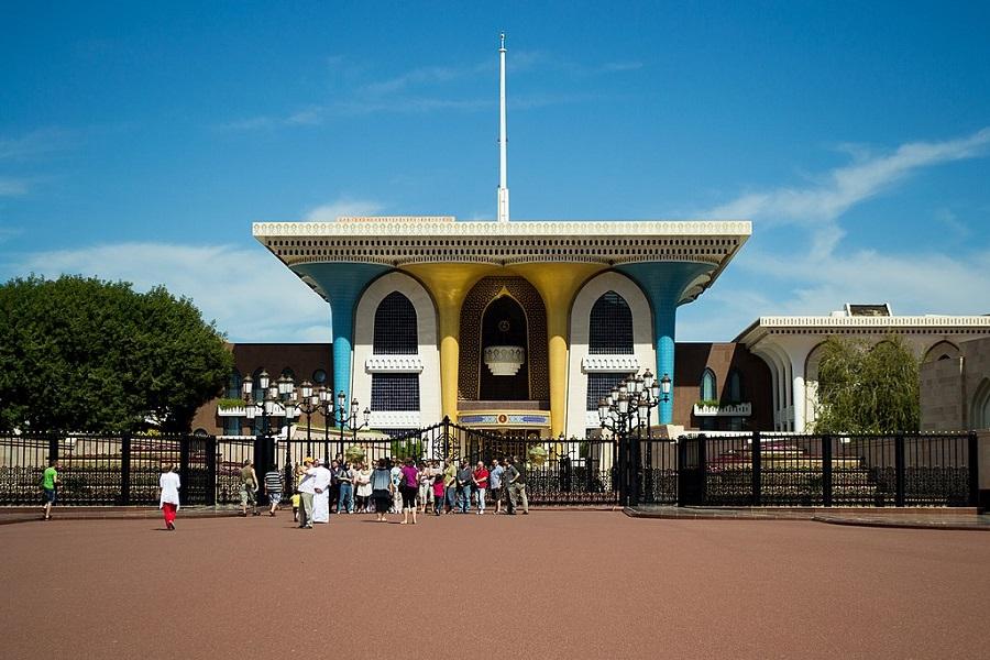 3 Al Alam Palace.jpg