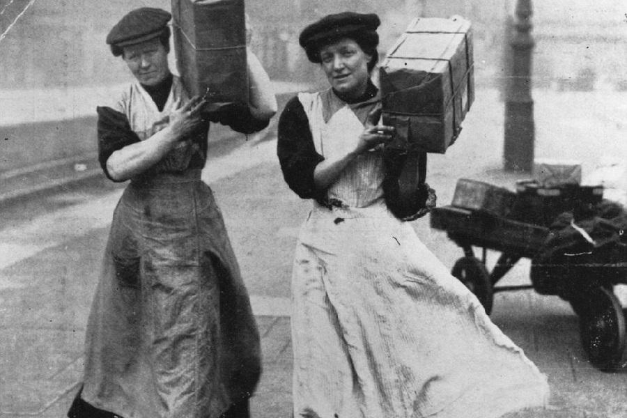 women-and-the-war-1915-2m.jpg