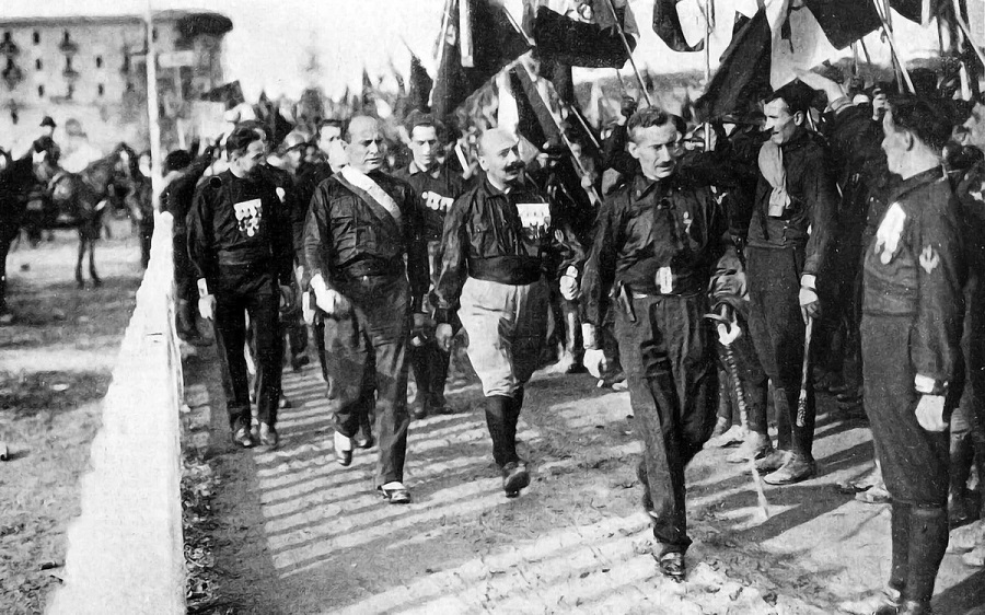 _Поход чернорубашечников на Рим, 1922 год.jpg