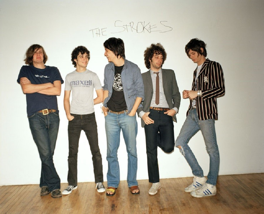 10 The Strokes, rock indie  band 2003.jpg
