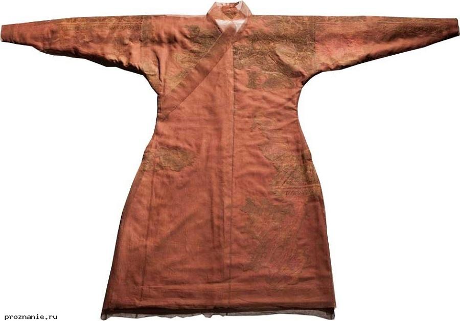 1 Парадный костюм знатной женщины Х века.jpg