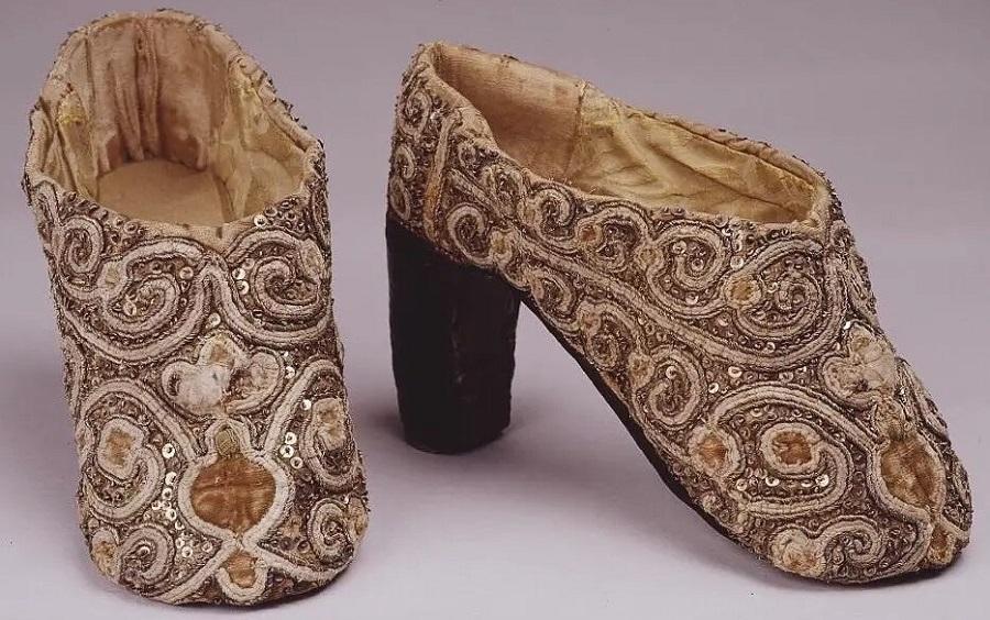 _Женские туфли, XVII век  Музеи Московского Кремля 6.jpg