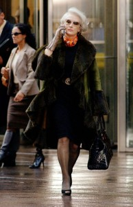 8d9a4b9e727b0530e8a2097f57e9434d--the-devil-wears-prada-outfits-funny-fashion.jpg