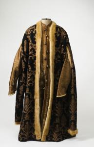 0300 Шуба боярская - XVI век - Россия.jpg