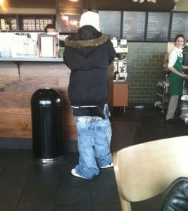 the_sagging_pants_fashion_trend_that_makes_absolutely_no_sense_640_11.jpg