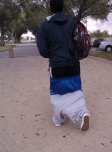 the_sagging_pants_fashion_trend_that_makes_absolutely_no_sense_640_17.jpg
