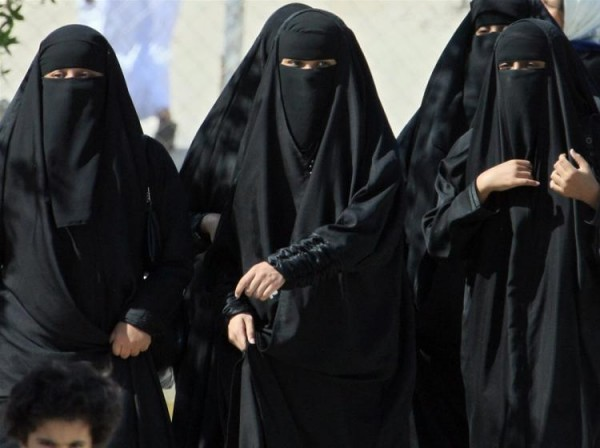 2 SAUDI-ARABIA-women-lawyers.jpg