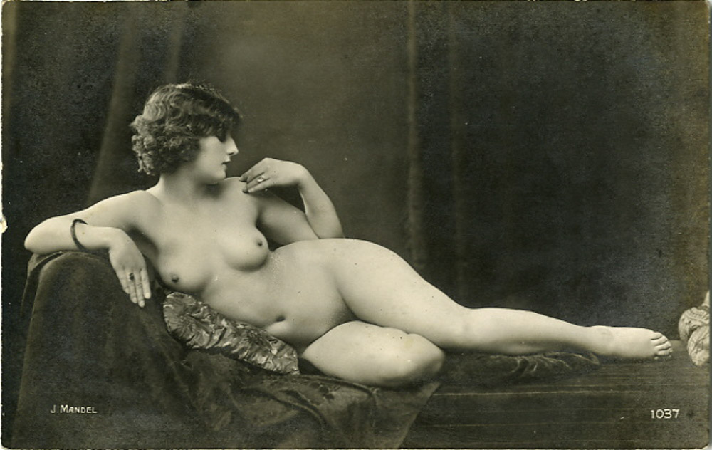 moore-nude-women-of-the-past-eve-sexy-naked