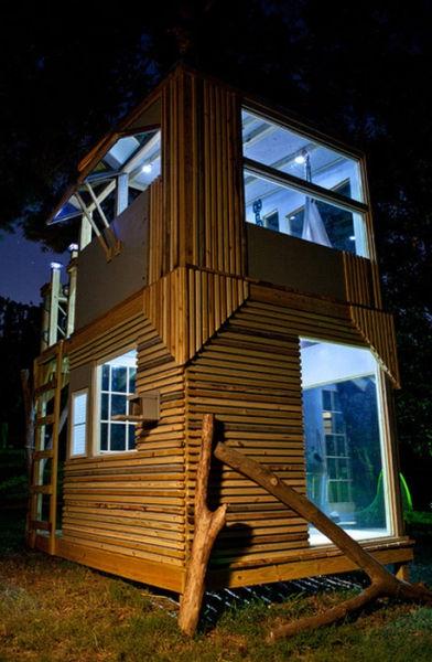 a_house_built_around_a_tree_640_30