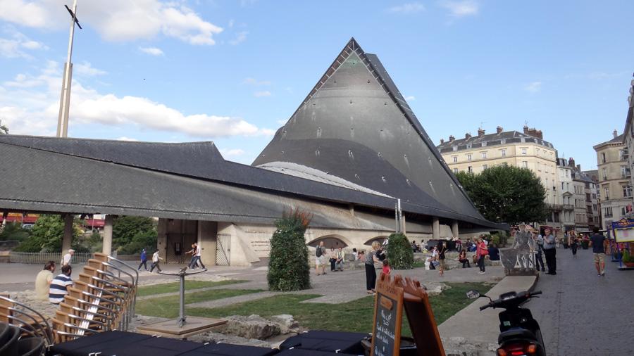 Руан. Церковь на площади Старого Рынка