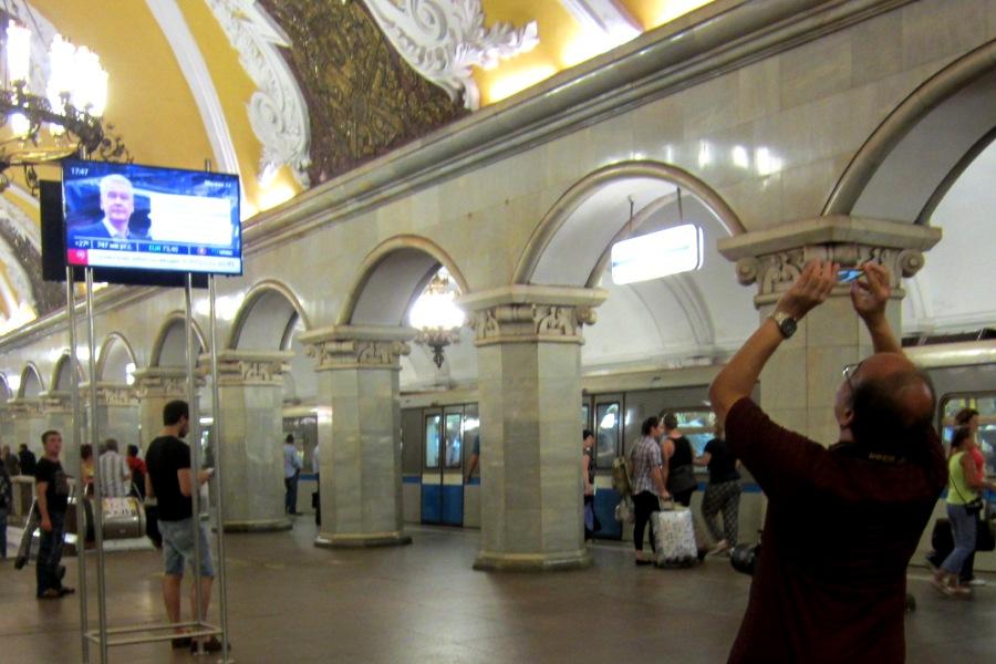 Хрущёвки & небоскрёбы. Реновации & мульт личности Мэра Москвы.