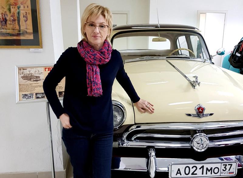 Истинные ценители эксклюзивных раритетов Советского автопрома на Красной