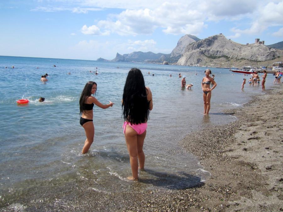 Блондинки зажигают на пляже просмотр