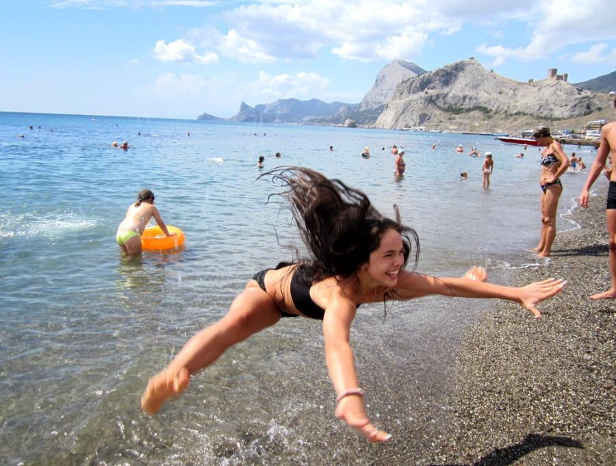 Блондинки зажигают на пляже, откровенное порно видео с телеведущей неллей с ру тв