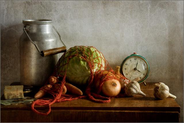 Натюрморт с овощами и бидоном